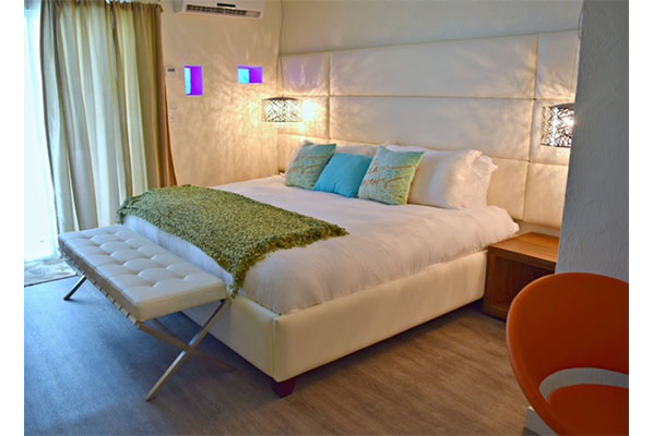 SIGNATURE ESCAPE 1BED 2PEOPLE Ocean Front From $229